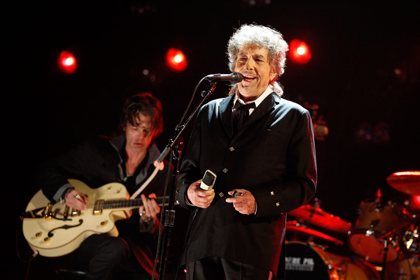 Bob Dylan played the fair in 2002.