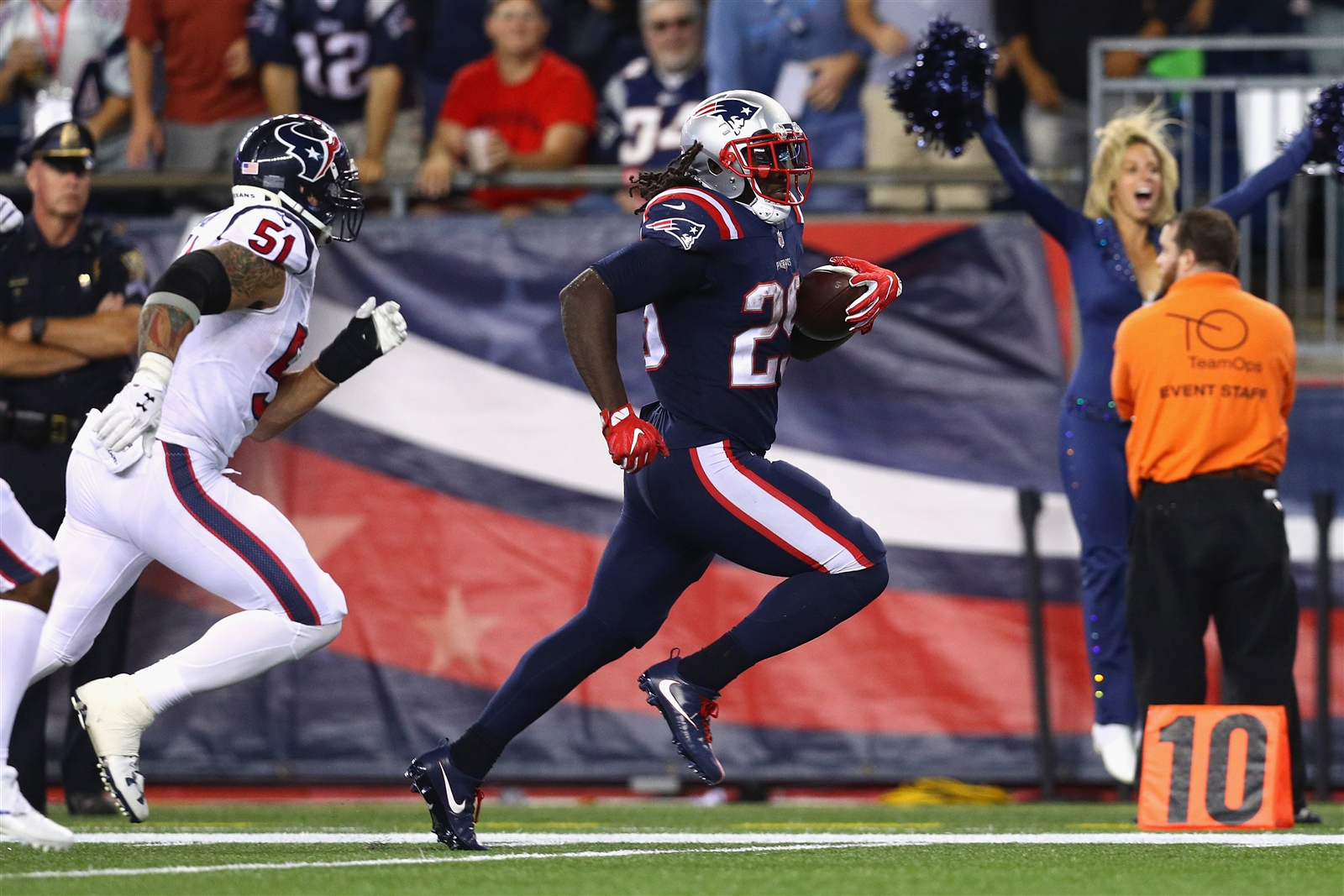 WHEN THE PATRIOTS RUN (continued): Blount leads the league with 298 yards on 75 carries, has scored four touchdowns and has carried the ball 20-plus times in each game. Wide receiver Julian Edelman has six carries on the year. EDGE: Patriots.