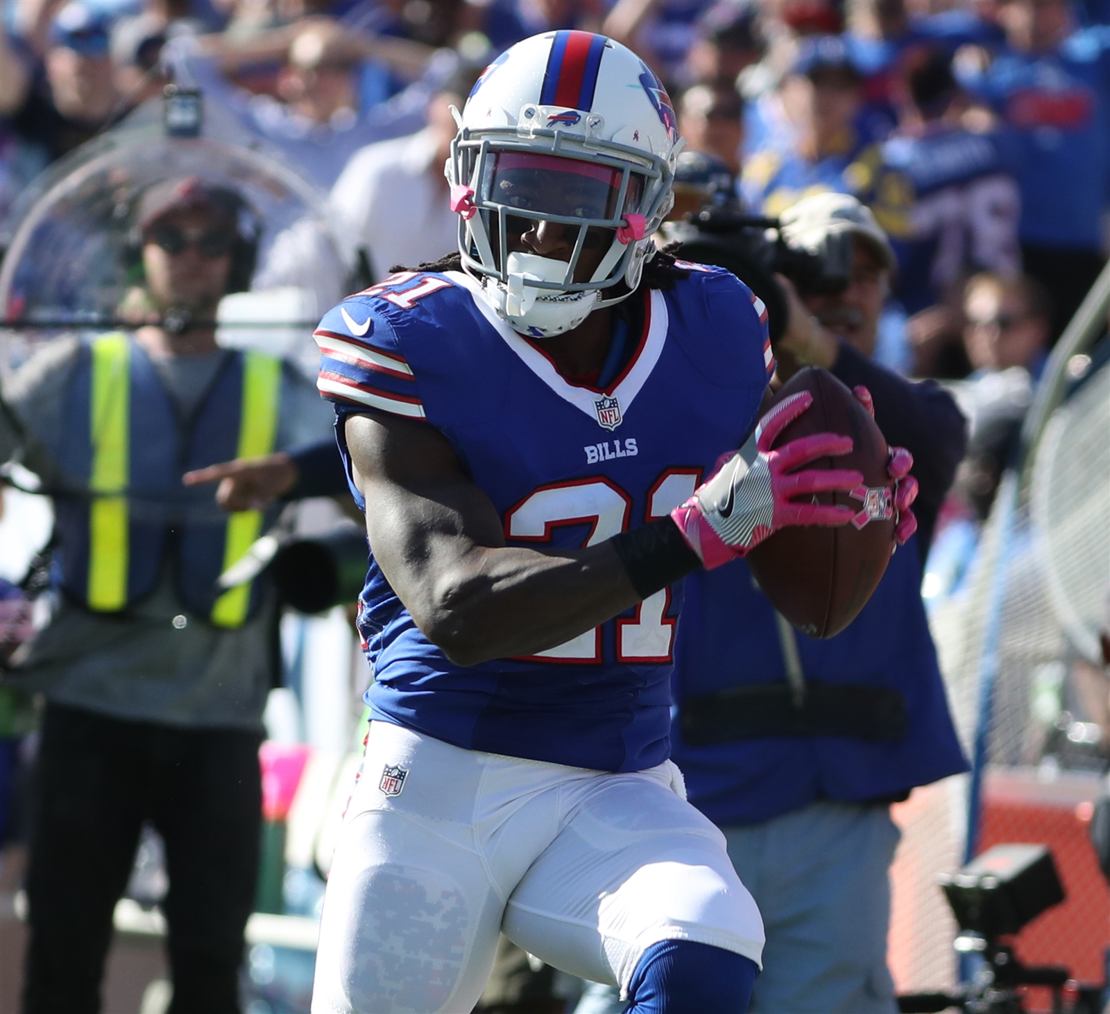 2. Welcome home. Nickell Robey-Coleman will remember this one when heu2019s in a rocking chair talking to his grandkids. Defending from the slot, the former Southern California star undercut an out pass for Pharoh Cooper and returned the interception 41 yards to put the Bills up, 23-16, late in the third quarter. Letu2019s be blunt: Case Keenum is a rag-armed quarterback. Heu2019s much more effective throwing in-breaking routes. He needs to be careful throwing outside the numbers. He wasnu2019t careful enough.