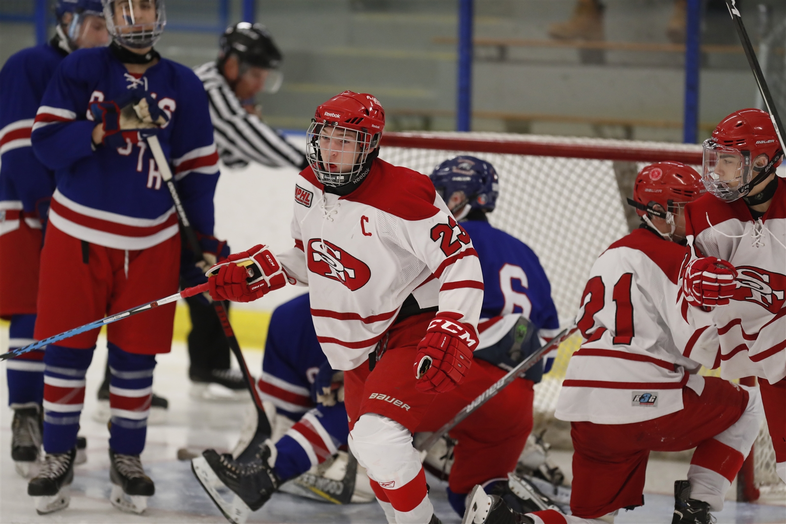St. Francis' Domonic Galanti celebrates his goal against Williamsville South during first period action.