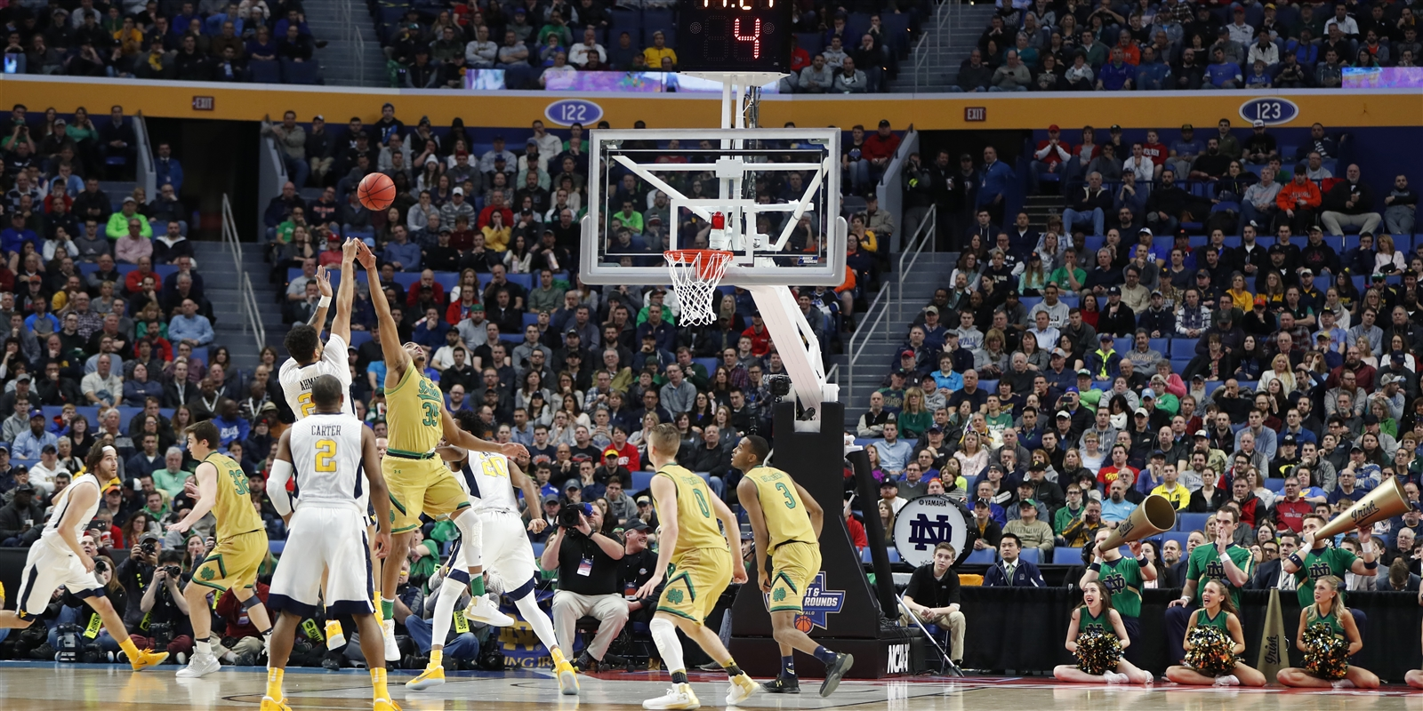 Notre Dame vs West Virginia during first half action of the second round of the 2017 NCAA Men's Basketball Tournament at the KeyBank Center on Saturday, March 18, 2017.
