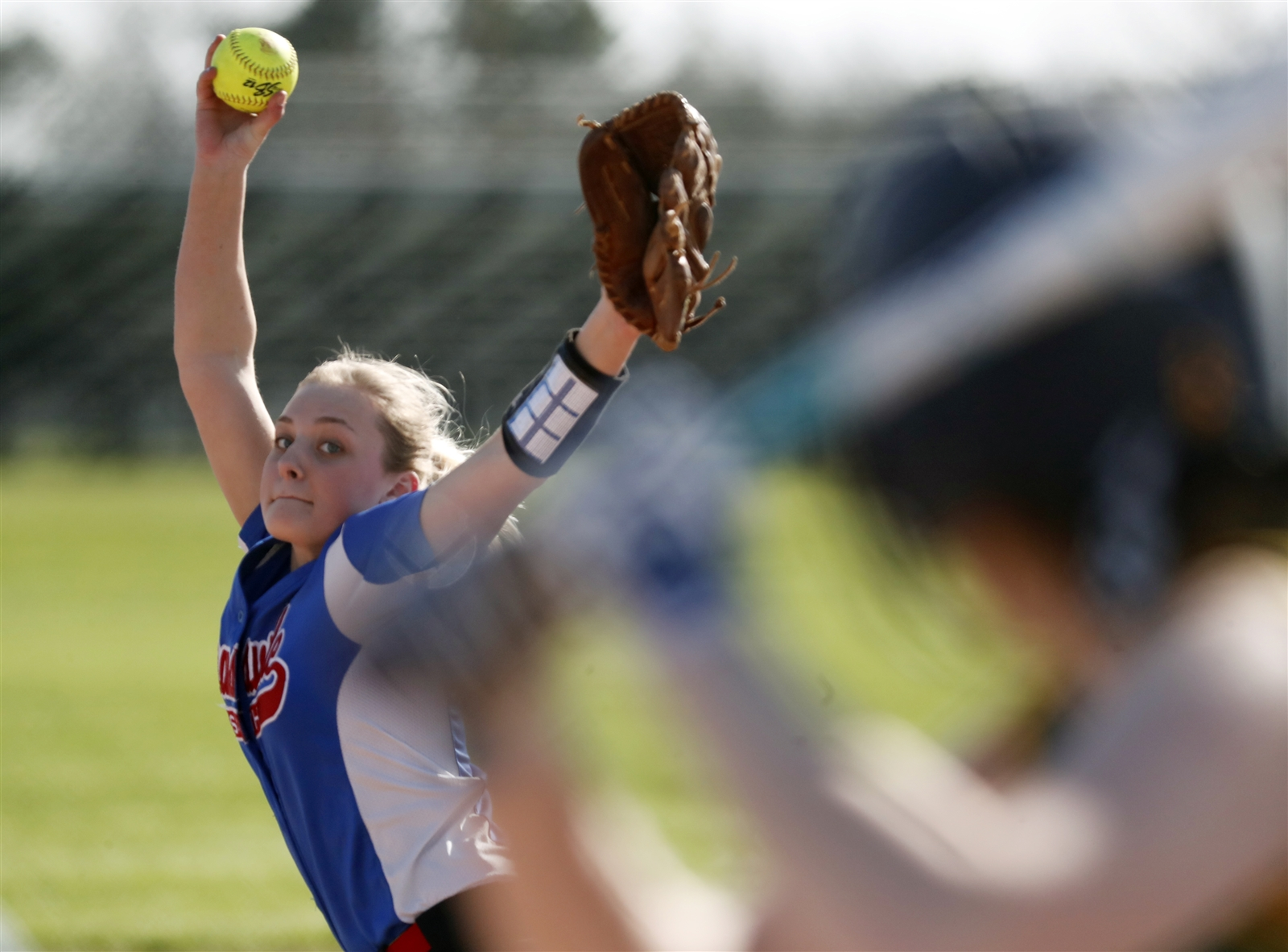 Williamsville South pitcher Katie Quagliana pitches to  West Seneca East.