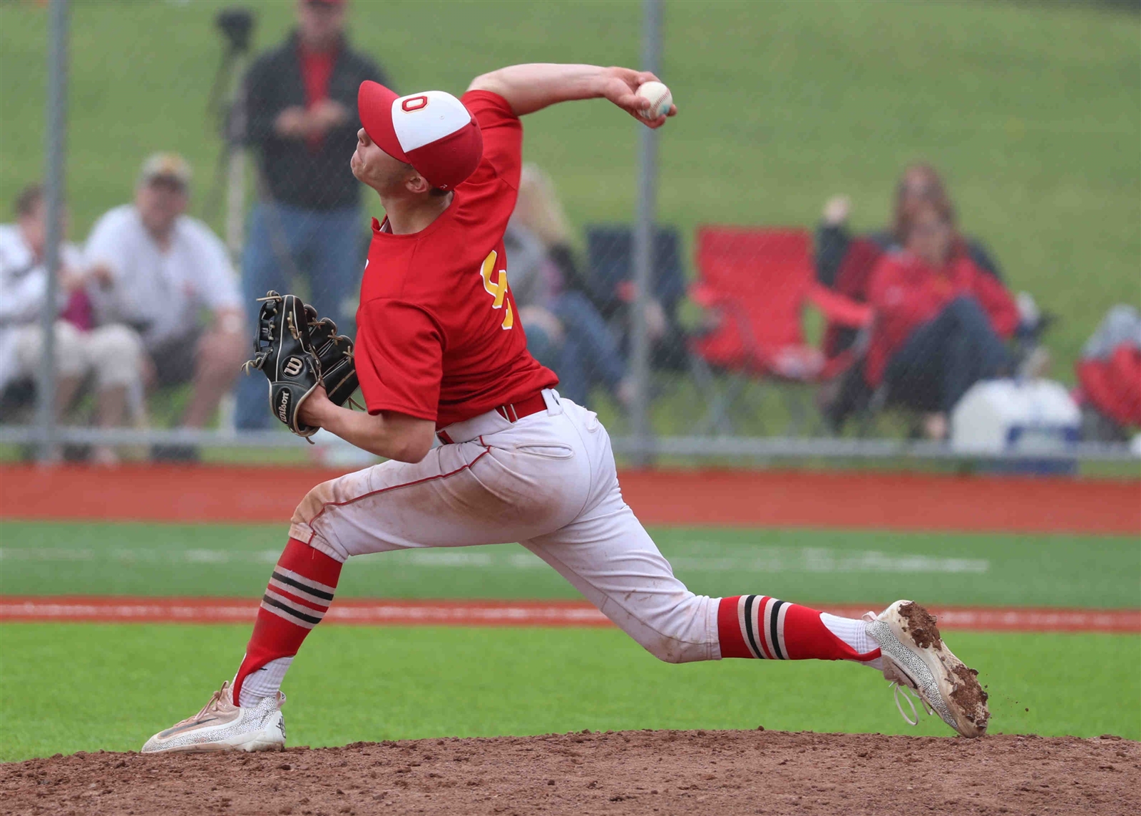 Olean's Bryan Bizzaro throws a pitch in the second inning.