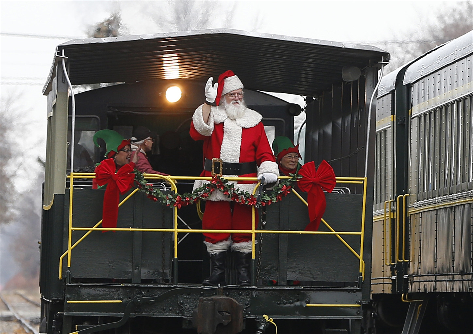 Santa arrives at the Hamburg station.