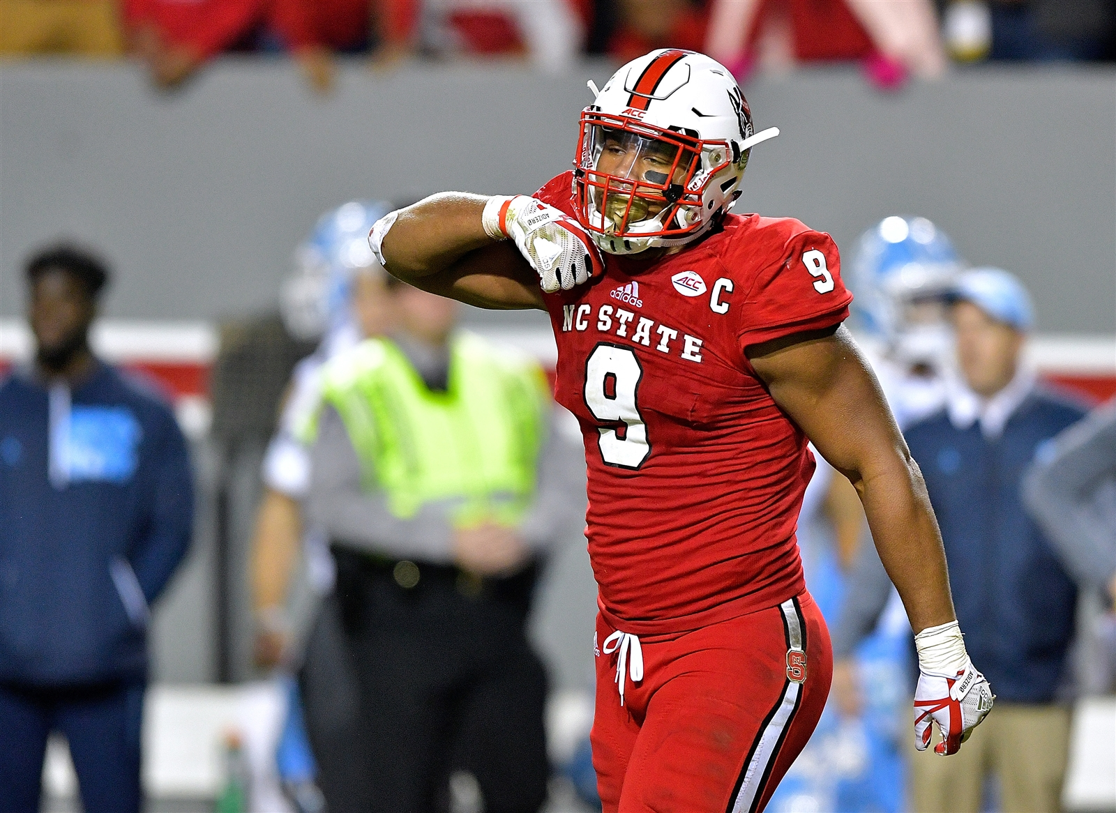 2. New York Giants. Bradley Chubb, DE, North Carolina State. Dave Gettleman's fondness for drafting big men has been mentioned frequently, and the addition of Chubb would give New York the best pass rusher in the draft. It would also greatly help the Billsu2019 quarterback cause. More on that in a bit.