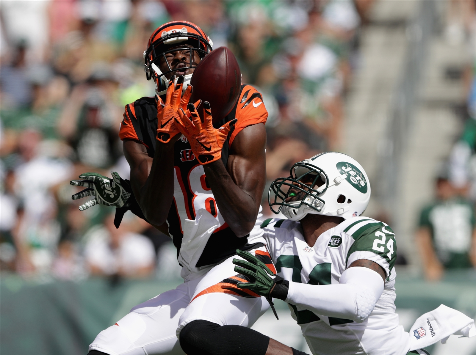 1. Maybe Darrelle Revis isnu2019t Darrelle Revis anymore. The New York Jetsu2019 All-World cornerback struggled mightily in his teamu2019s 23-22 loss to the Cincinnati Bengals on Sunday in the season openers. Bengals receiver A.J. Green caught 12 passes for 180 yards (including a touchdown, pictured). ...
