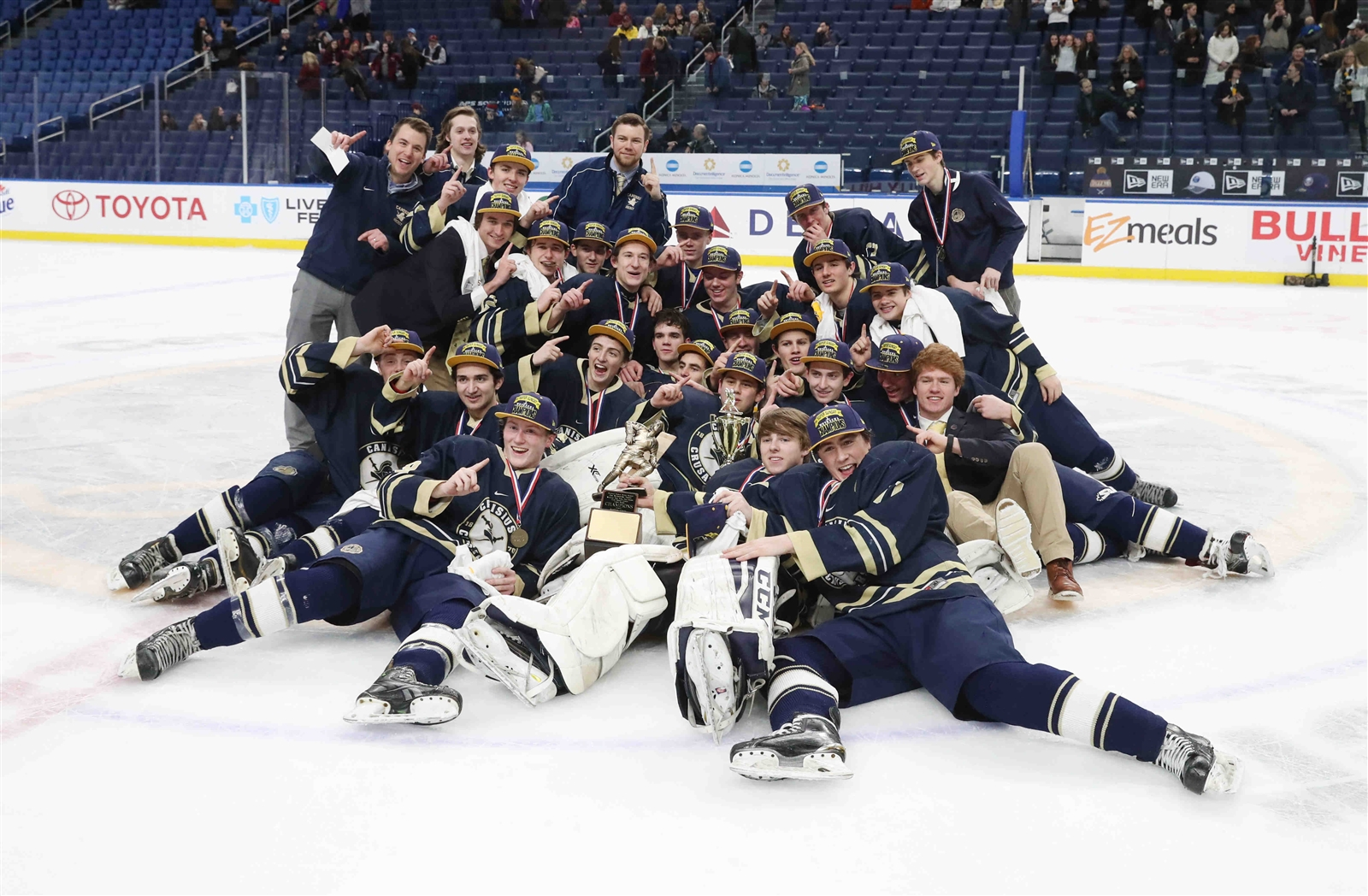Canisius beats St. Joe's 2-1 in Super Sunday Large Division.