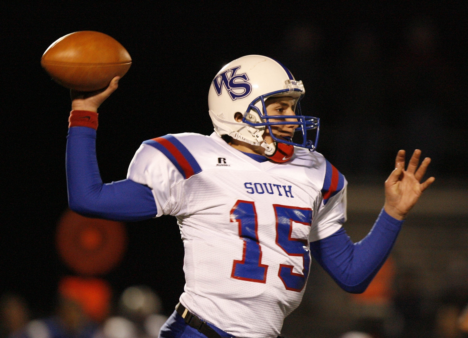 Williamsville South's Joe Licata makes a throw during a game against West Seneca East on Oct. 24, 2008.